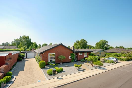 Villa på Syrenvej i Brørup - Ejendommen