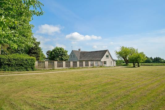 Villa på Stude Enghave i Vemmelev - Set fra haven