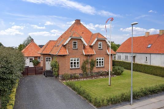 Villa på Stationsvej i Vemmelev - Ejendommen