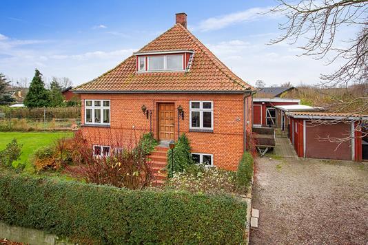 Villa på Stibjergvej i Korsør - Set fra vejen