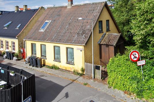 Villa på Færgestræde i Korsør - Set fra vejen