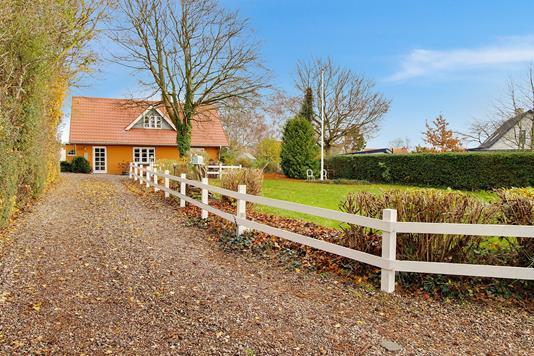 Villa på Halsebyvej i Korsør - Set fra vejen