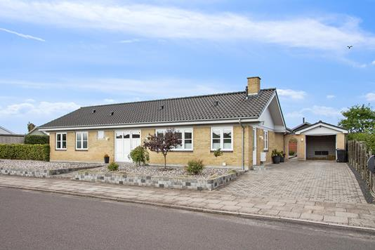 Villa på Odinsvej i Korsør - Set fra vejen