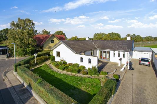 Villa på Rosenvej i Vemmelev - Ejendommen