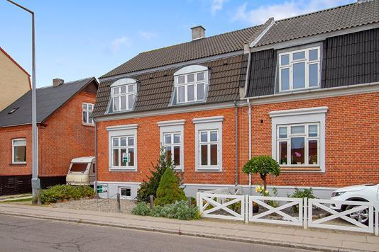 Villa på Halsskovvej i Korsør - Set fra vejen