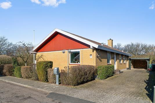 Villa på Bøgeparken i Vemmelev - Set fra vejen
