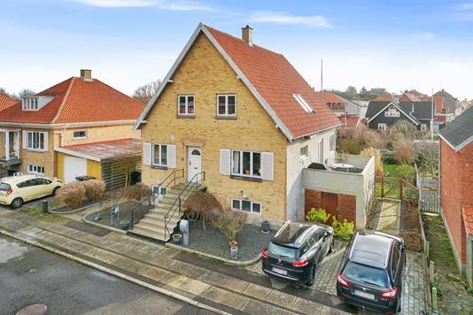Villa på Sprogøvej i Korsør - Set fra vejen