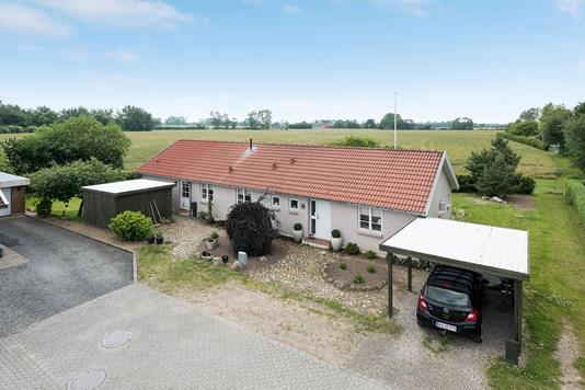 Villa på Degneløkken i Ullerslev - Ejendommen
