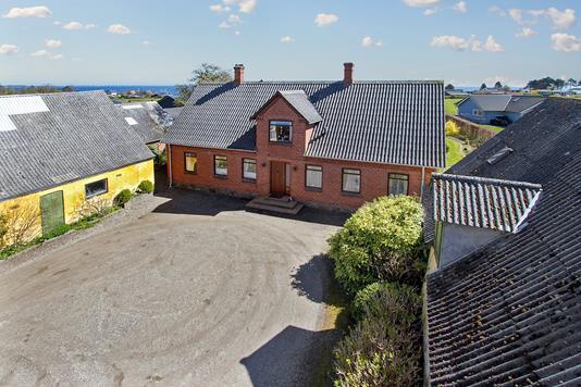 Villa på Maemosevej i Frørup - Ejendommen