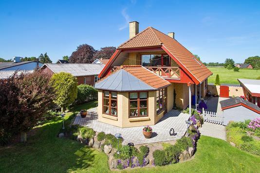 Villa på Ellingevej i Ullerslev - Set fra haven