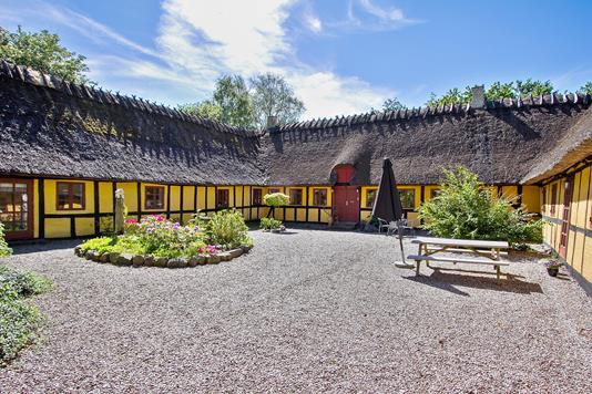Villa på Stenhavevej i Ørbæk - Set fra vejen