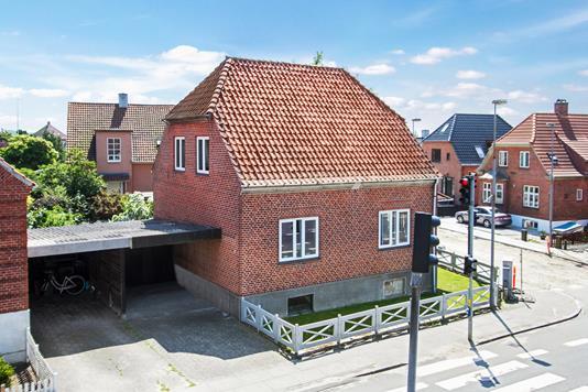 Villa på Nymarksvej i Nyborg - Set fra vejen