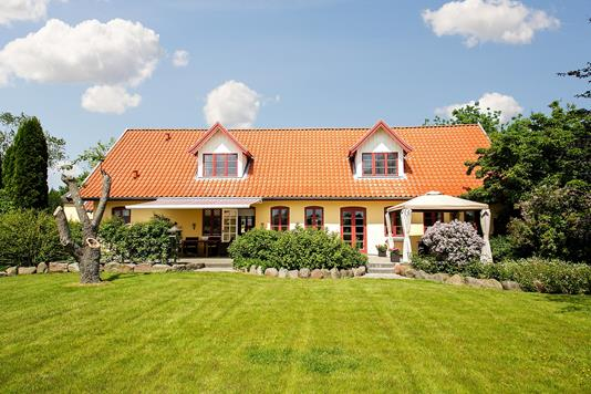 Villa på Kertemindevej i Ullerslev - Set fra haven