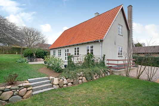 Villa på Skættevænget i Frørup - Ejendommen