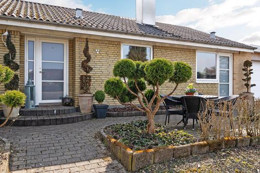 Villa på Birkevænget i Ørbæk - Ejendommen