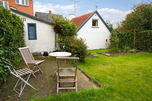 Villa på Bakkegade i Hillerød - Set fra haven