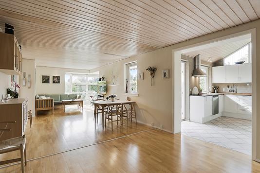 Villa på Lyngbakken i Hillerød - Spisestue