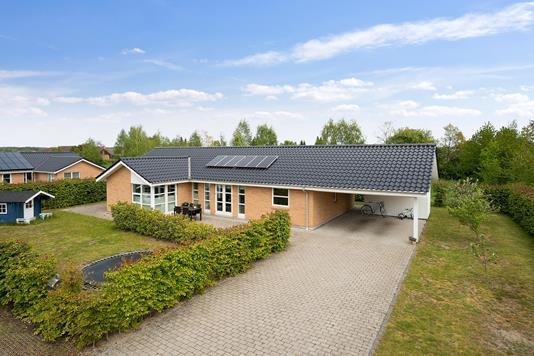 Villa på Solbuen i Hillerød - Set fra vejen