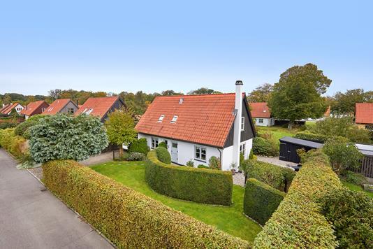 Villa på Munkerup Have i Dronningmølle - Ejendommen
