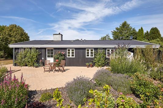 Villa på Kragevej i Dronningmølle - Ejendommen
