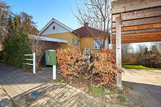 Villa på Skovhusvej i Græsted - Indkørsel