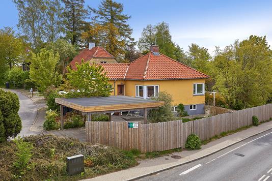 Villa på Skovhusvej i Græsted - Ejendommen