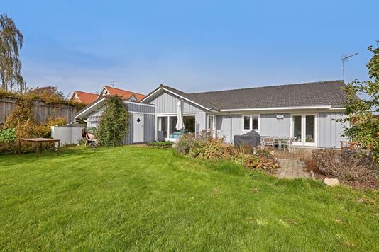 Villa på Gartnervænget i Græsted - Ejendommen