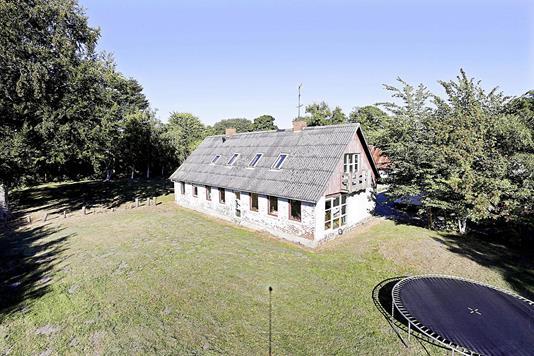 Villa på Holtbakkevej i Trustrup - Ejendommen