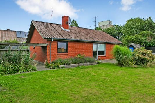 Villa på Neergårdsdalvej i Grenaa - Ejendommen
