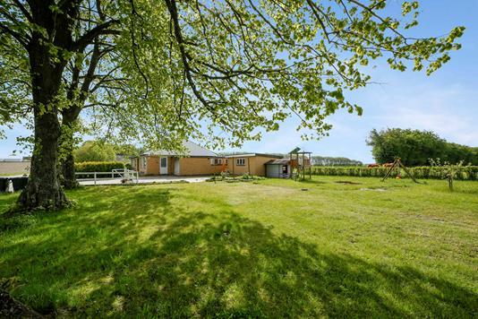 Villa på Rimsøvej i Grenaa - Ejendommen
