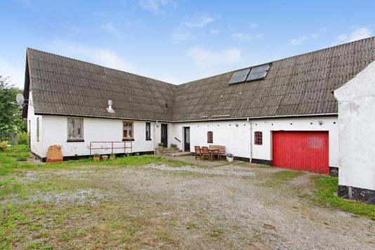 Villa på Århusvej i Trustrup - Ejendommen