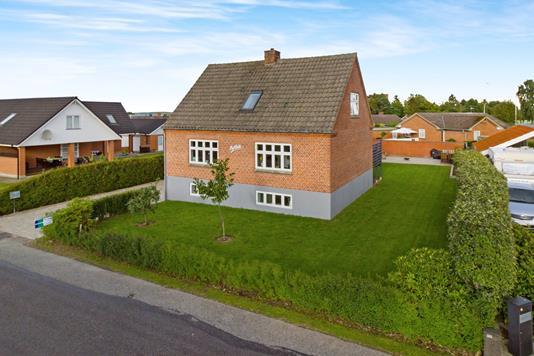 Villa på Laenvej i Glesborg - Ejendommen