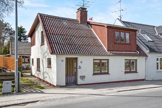 Villa på Lyngbyvej i Trustrup - Ejendommen