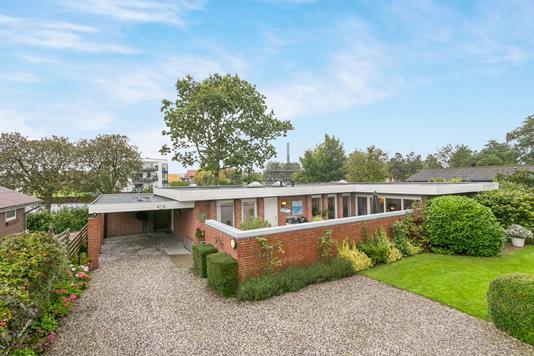 Villa på Sønder Allé i Grenaa - Ejendommen