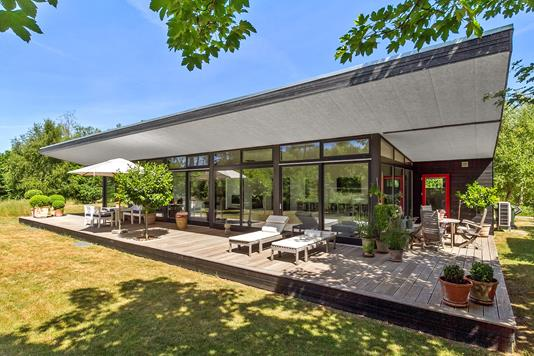 Villa på Peter Søndergårds V. i Ebeltoft - Set fra haven