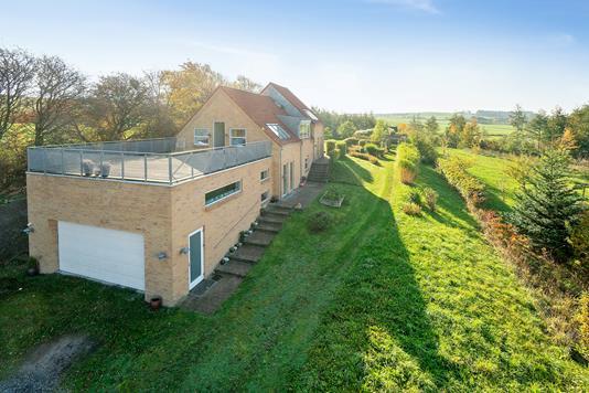 Villa på Skolemarken i Ebeltoft - Set fra haven