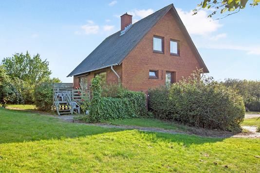 Villa på Solkærvej i Knebel - Ejendom 1