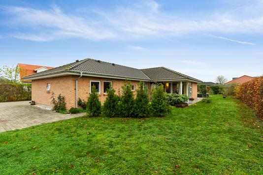 Villa på Hyrdedalen i Ebeltoft - Set fra haven