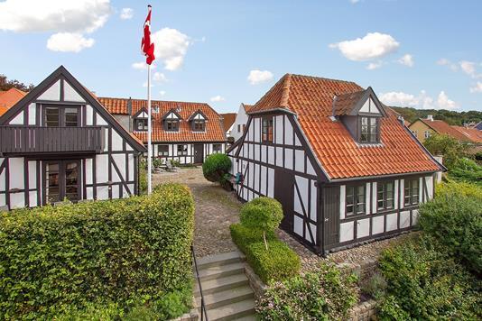 Villa på Nedergade i Ebeltoft - Ejendommen