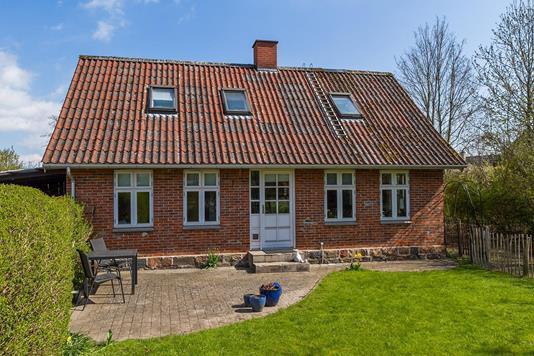 Villa på Gråkærsvej i Balle - Ejendommen