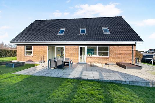 Villa på Agersvinget i Knebel - Ejendom 1