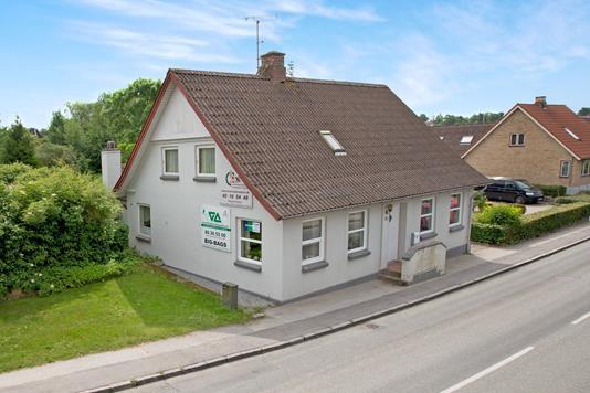 Villa på Vrinners Bygade i Knebel - Ejendommen