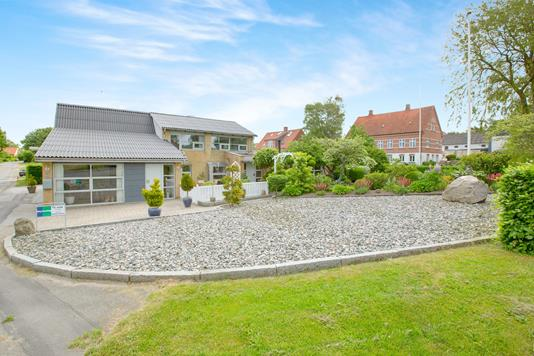 Villa på Grønfeld Bygade i Ebeltoft - Ejendommen