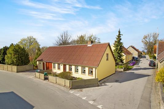 Villa på Dejret Bygade i Knebel - Ejendommen