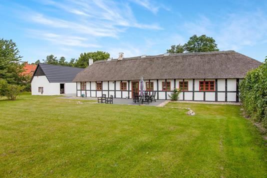 Villa på Fuglslev Bygade i Ebeltoft - Ejendommen