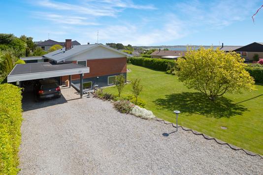 Villa på Ravnsvej i Ebeltoft - Ejendommen