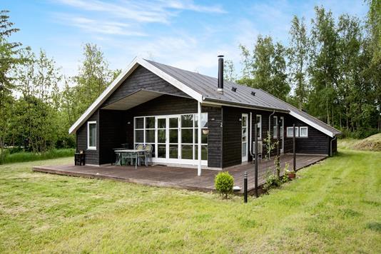 Fritidsbolig på Skødshovedgård i Knebel - Ejendommen