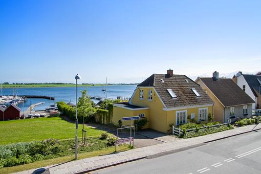 Villa på Rådmandsvej i Skælskør - Set fra vejen