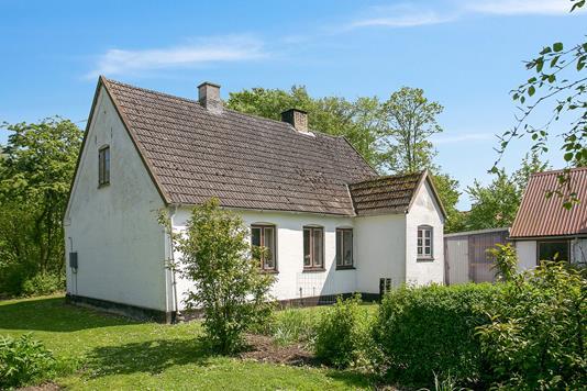 Villa på Lundbyvej i Dalmose - Ejendommen