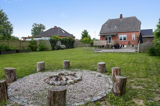 Villa på Langgade i Sandved - Set fra haven
